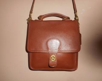 COACH Brown Leather 9 x 9 x 3 STATION Shoulder Bag A8I-5130 USA