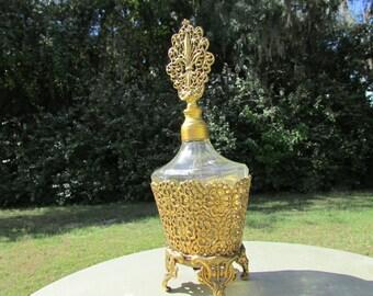 Hollywood Regency Fleur de Lis 24 Karat Gold Plated Ormolu Footed Filigree Perfume Bottle Decanter