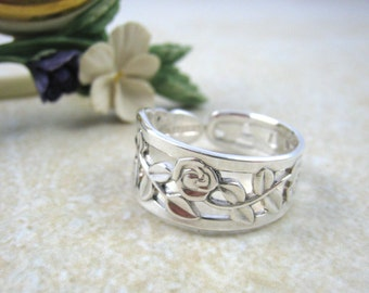 SPOON RING Floral rose ring,  Near Sterling Silver solid 830 silver, upcycled jewellery, handmade from 1970s vintage spoon (Sweden, 1970).