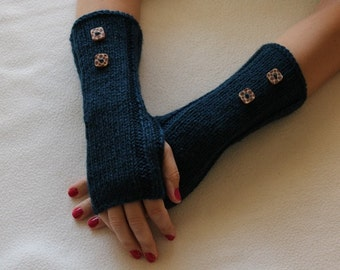 Green Knit fingerless gloves