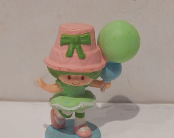 Vintage Strawberry Land Miniature Lime Chiffon Carrying a Bunch of Balloons Kenner 1980