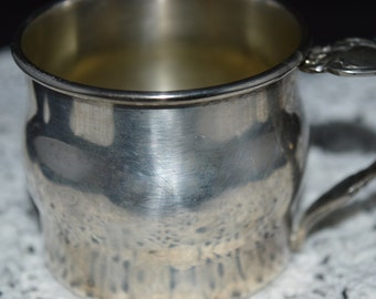 Silver baby cup / baby cup / cup / silver / baby / Oneida / Oneida silver / silver cup / silver Oneida cup / vintage baby / vintage baby cup