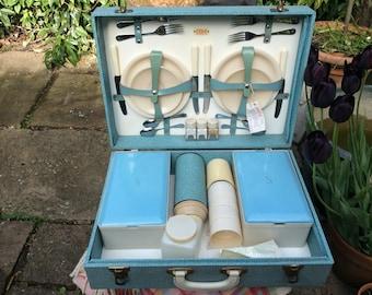 A Lovely Vintage Sirram 1950s Blue Hardcased Picnic Hamper for 4 People.