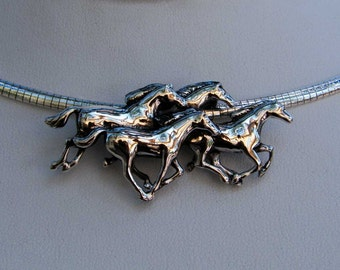 Classy Argentium Sterling Silver Equine Running Horses Necklace Italian Omega