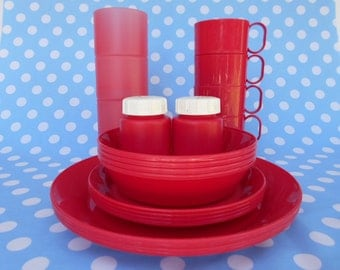 Retro Decor Picnic Set For Four in Raspberry Pink 1980's   #10260