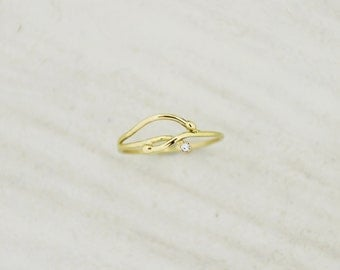 Gold and diamond ring, wire ring, polished gold, 18kt gold ring, elegant ring, light ring, yellow gold, Engagement ring.