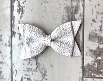 White Daphne faux leather bow