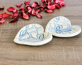 Set of 2 decorative small heart shape plates, Rustic plate Ceramic home decor White table decoration Ring dish holder Anniversary gift ideas