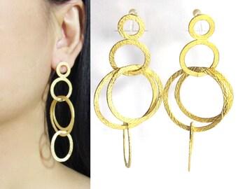 Chandelier Clip on Earrings |23E| Matte Gold Interlocked Circles Clip-ons hoop Earrings Big Bold Statement Runway Dangle Clip on Earrings
