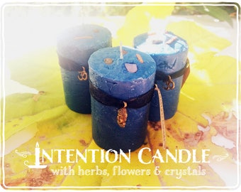 Meditation Candle *Galactic Portal* with herbs and crystals - Sandalwood - Frankincense - Myrrh & Sodalite