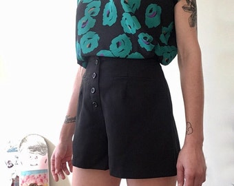 High Waisted Shorts / Black / Buttoning / Made in USA / Fake Pockets