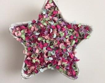 Spring Wedding Confetti | Spring Wedding Decor | Spring Wedding Bouquet | Spring Wedding Flowers | Spring Wedding Confetti Poppers | Confett