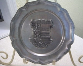pewter plate,coat of arms,'LG',Made in France,scalloped border,decorative plate,tavern,travel,home decor,office decor,pewter collector