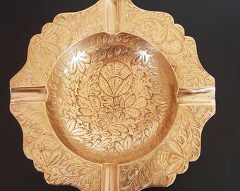 Vintage  ashtray,  INDIA, Brass  ashtray, Vintage Brass Ashtray, Ornate Brass Ashtray, Flower & Leaf decor, Vintage