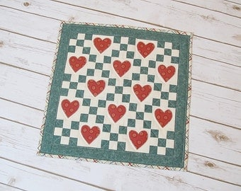 Miniature Quilt - Quilt with Heart - Quilted Wall Decor - Patchwork Miniature Quilt - Quilt Table Topper - Mothers day Gift - Quilted Runner
