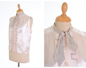 Vintage amazing 1930s 1940s light pink silk embroidered blouse shirt - size S/M