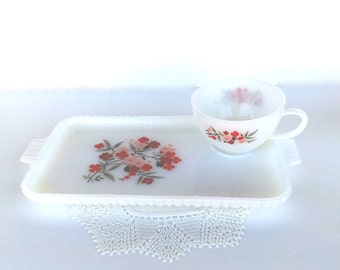 Vintage Fire King Primrose Snack Trays/Luncheon Plates and Teacups: Set of 2