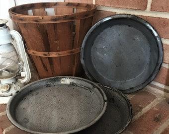 Vintage Enamelware Plates - Gray Enamelware Plates - Enamelware Pie Plates - Camping Plates - Rustic Decor