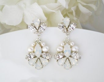 Opal wedding earrings, Opal bridal earrings, Swarovski White Opal drop earrings, Crystal and pearl teardrop earrings, Unique wedding earring