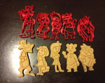 Goldie and Bear Cookie Cutters. Includes Humpty Dumpty, Big Bad Wolf, Red Riding Hood, and Goldie and Bear. Great for birthday parties!