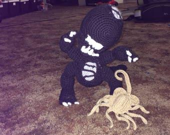 Crochet alien facehugger (xenomorph), alien vs pedator gift, alien cosplay outfit, alien movie gifts, alien covenant