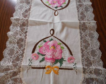 Vintage Pink Floral Table Runner