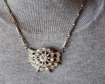 Vintage silvertone rhodium clear crystals, rhinestones, flower choker necklace, link chain,