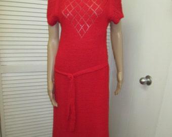 Show off those curves. MRI Petites  Boucle Knit Red Dress Size L Vintage Gorgeous