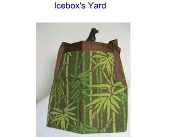 Green Bamboo Print Handmade Half Apron, Gardening apron, Utility Apron, Vendor Apron, 2 Pocket Apron, Craft Apron, Indoor Outdoor Fabric