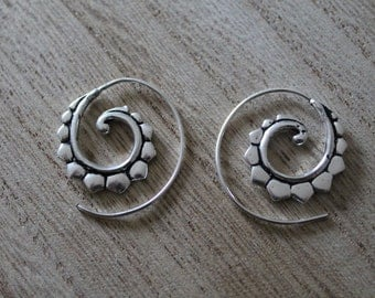 Small spiral hoops
