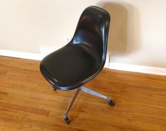 Mid Century Herman Miller Black Desk Chair