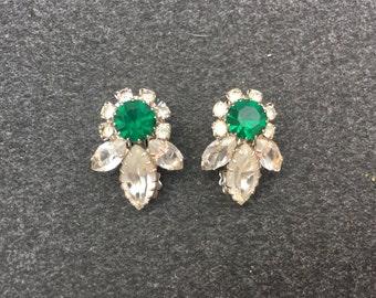 Vintage Clear and Emerald Green Rhinestone Flower Earrings 0862