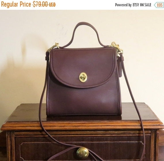 Football Days Sale Coach Regina British Tan Leather Handbag With Crossbody Strap Made In Costa Rica -Excellent Condition