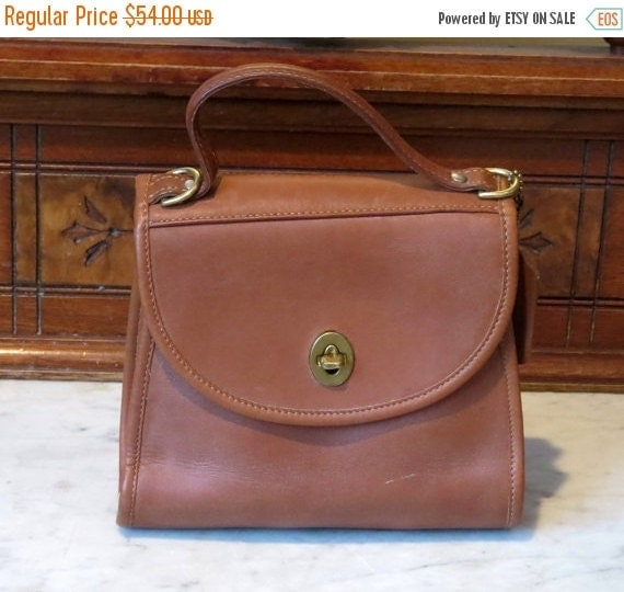 Football Days Sale Coach Regina British Tan Leather Handbag Without Strap Made In U.S.A. -Very Good to Excellent Condition- Strap missing