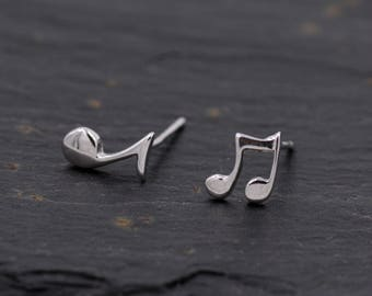 Sterling Silver Mismatched Music Note Symbol Stud Earrings  Y30