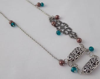 Silver filigree necklace with pearls and crystals