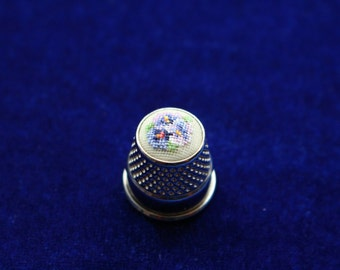 "Embroidered Thimble ""Violets"" 12 mm"