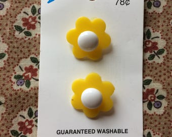 "Vintage 2 New Yellow and White Flower Buttons 7/8"" wide Plastic by Le Bouton"