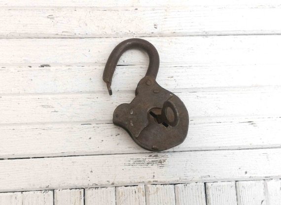 Vintage metal lock and key retro lock primitive pad lock for Lock and key decor
