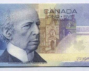 Bank of Canada 2002 5 Dollar Bank Note Knight/Dodge ANV