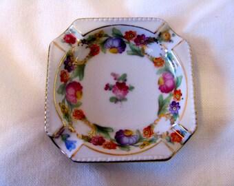 Vintage Schumann Empress Handpainted Dresden Flowers Porcelain Ashtray, Made in Bavaria