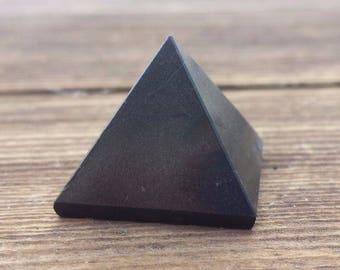BLACK TOURMALINE natural medium gemstone crystal pyramid 27-30mm