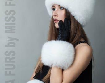 White shadow fox full fur hat and wristbands. Saga Fox
