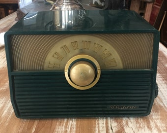 Vintage RCA Victor AM Radio in dark teal bakelite