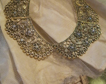 SALE Gold tone hinged collar Necklace with rhinestones
