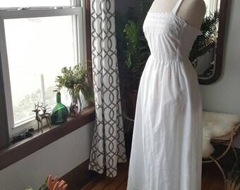 70s 60s 70's 1970s Hippie Bohemian White Long Dress Embroidered Details Vintage Boho Flowerchild Small to Medium 60's