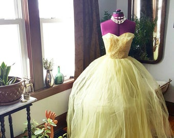50s 50's 1950s Yellow Tulle Lace Prom Dress Beauty Vintage Belle Formal