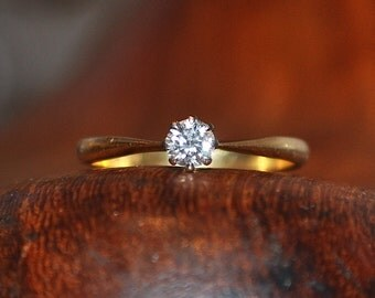 18ct gold 0.20ct diamond solitaire Engagement ring Valuation 1.375k Size L US 5 3/4 UK Hallmarks