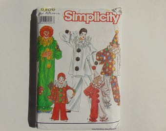 Simplicity 9806 Size AA Sm-Lg Adults and Boys Girls Clown Costumes Sewing Pattern UNCUT
