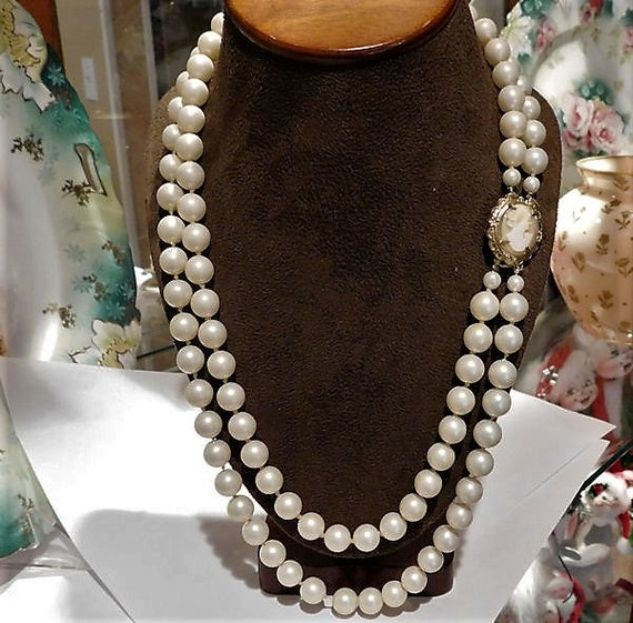 Cameo Clasp Necklace / Double Strand / Faux Pearl / Wedding Fashion
